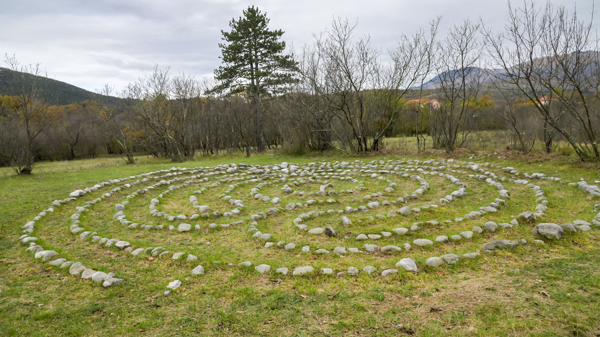 Nebeski labirinti u Dražicama
